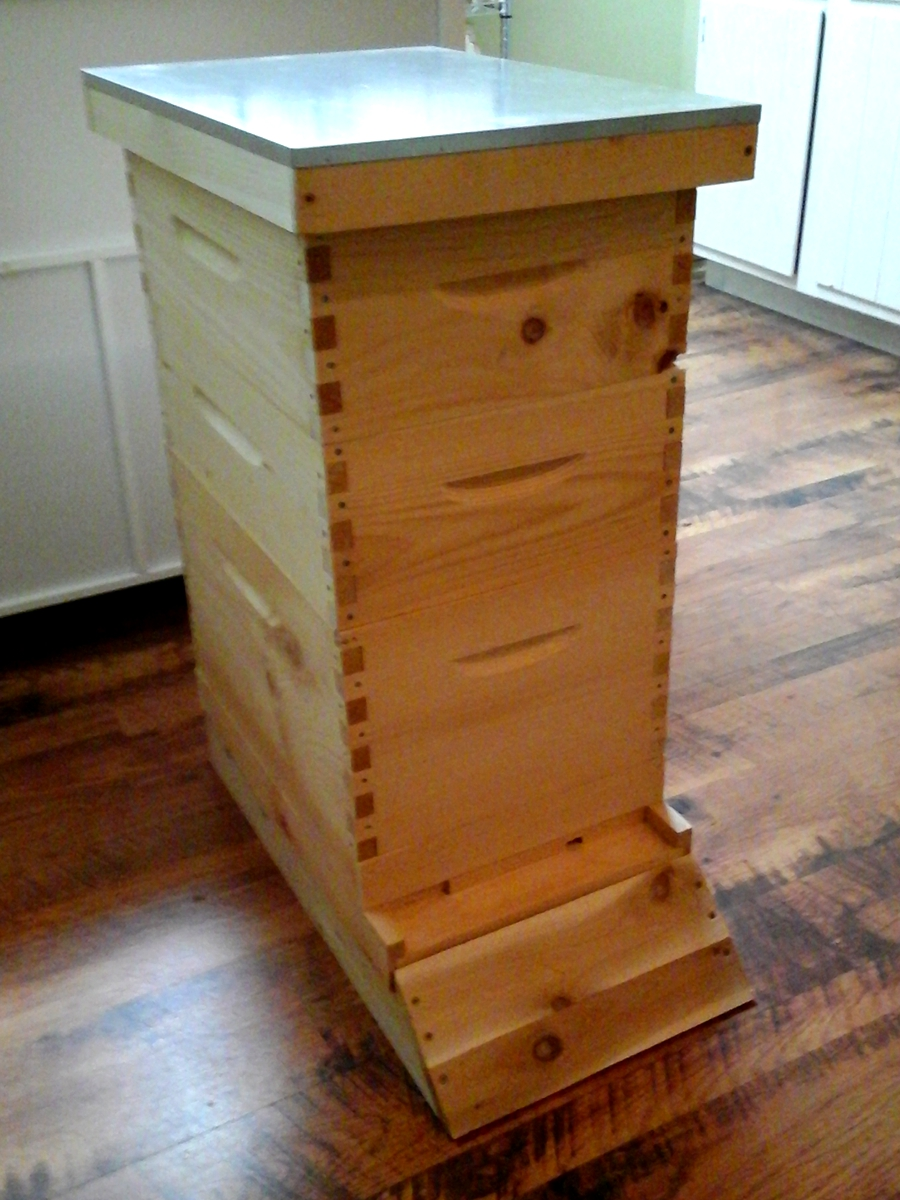 Complete 8 Frame Hive Options